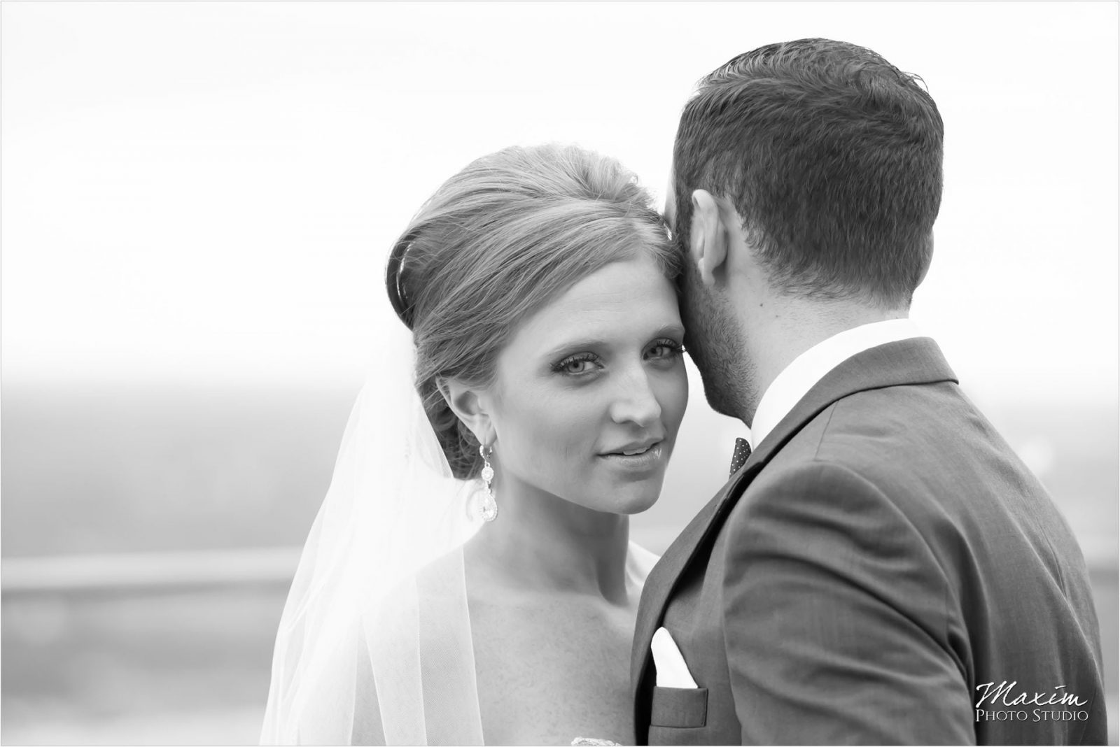 Cincinnati Wedding Photographers Hilton Netherland Plaza Carew Tower