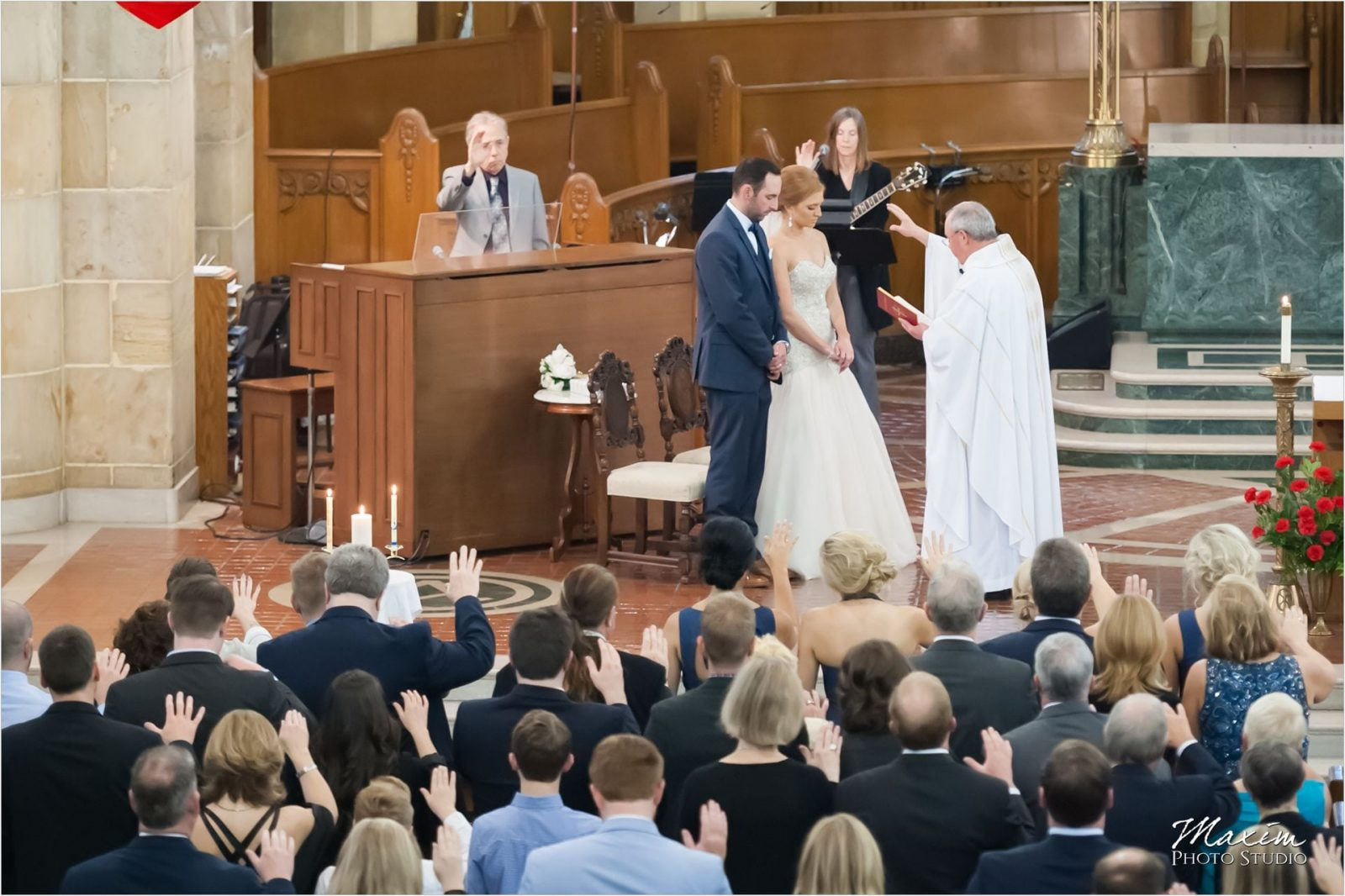 Cincinnati Wedding Photographers Holy Trinity Church Ceremony