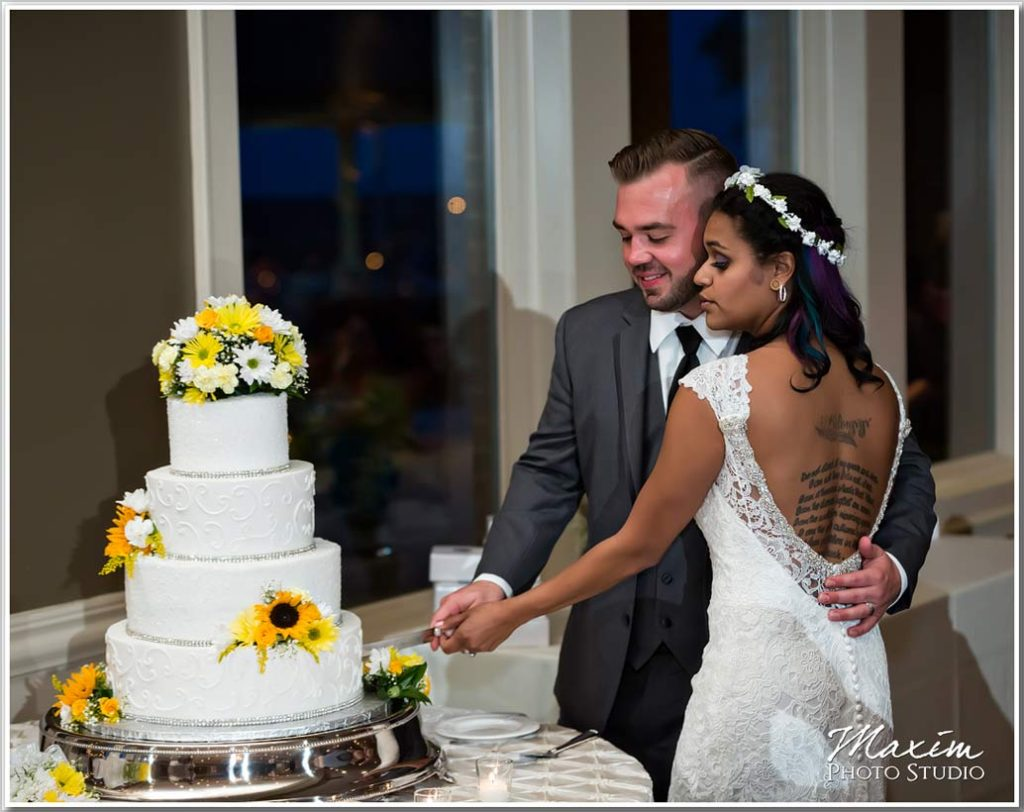 Fantasy and Frosting wedding cake