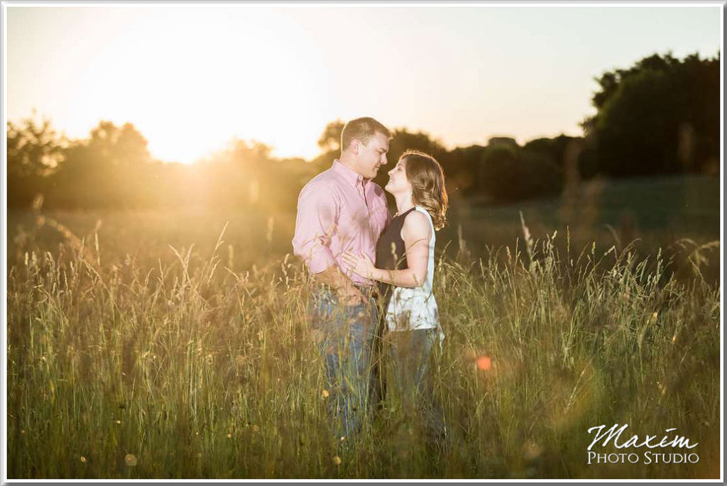 Cincinnati Wedding Photographs Beckley Creek Park natural light engagement