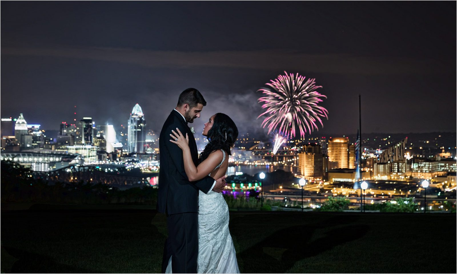 Cincinnati Wedding Drees Pavilion Reds Fireworks Cincinnati Skyline