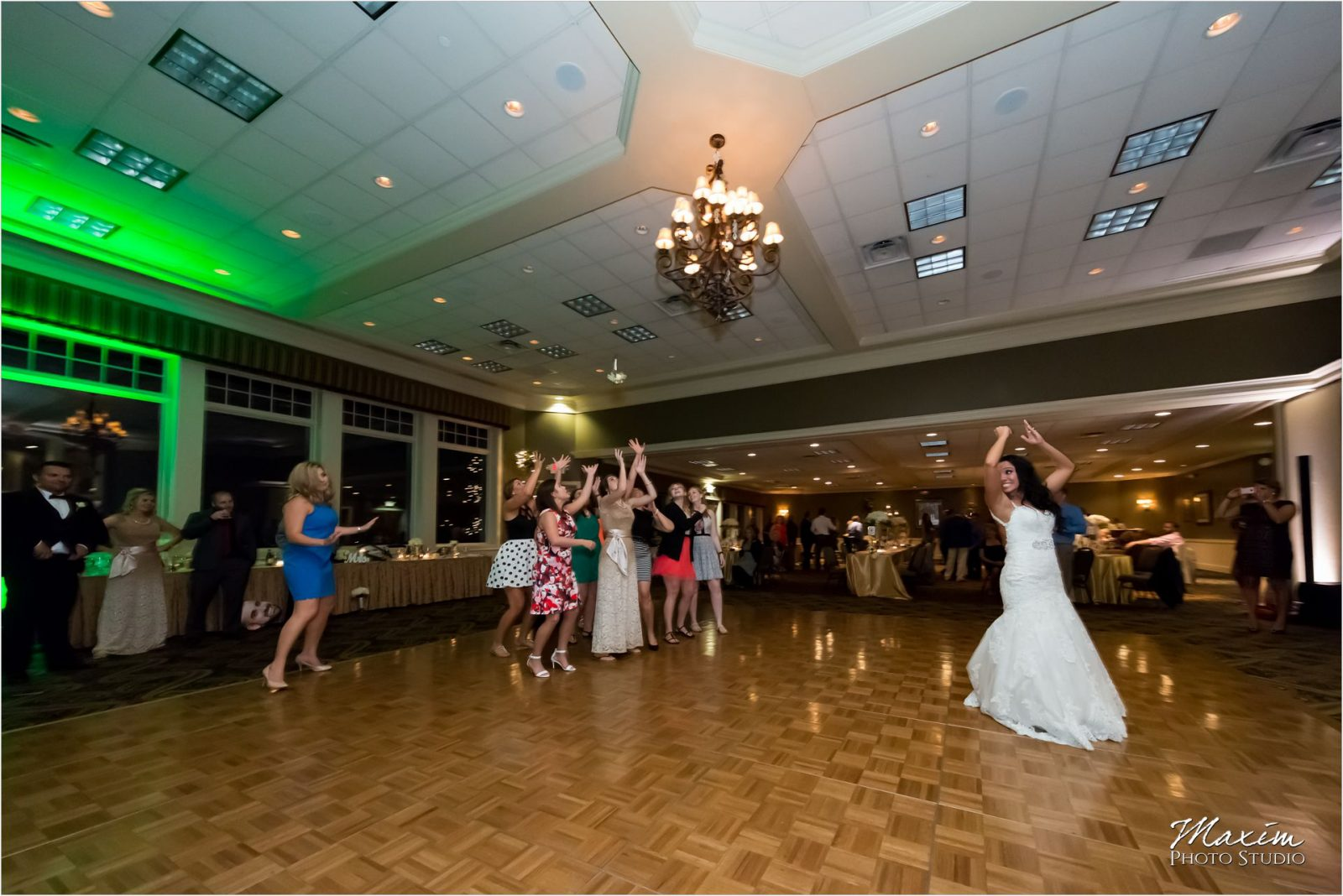 Drees Pavilion Covington Kentucky Reception Bouquet Toss
