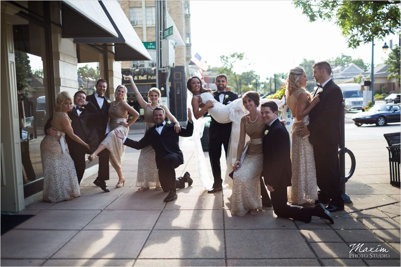 Hyde Park Square Cincinnati Wedding Bridal Party