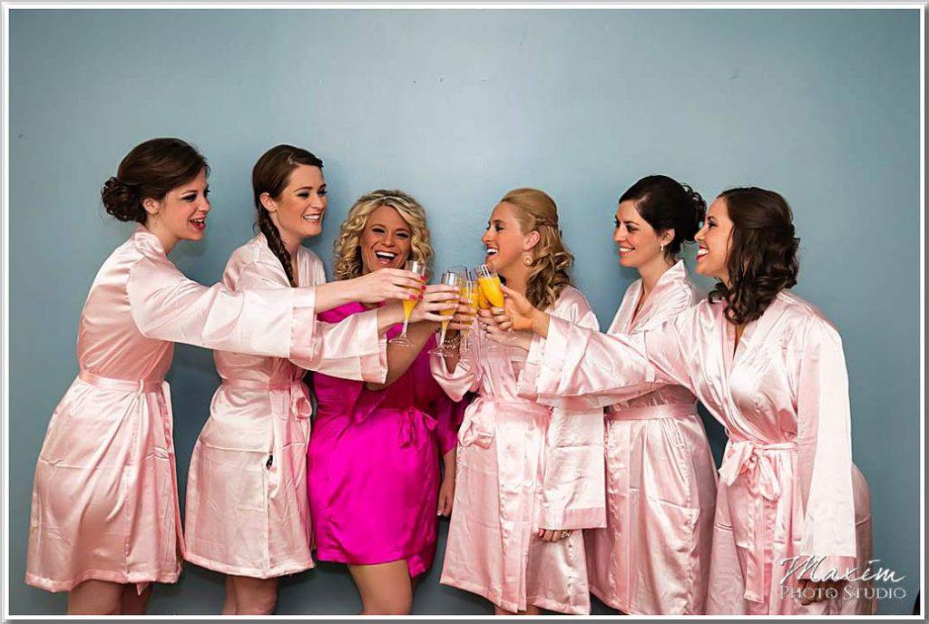 Ault Park Bridesmaids wedding preparations