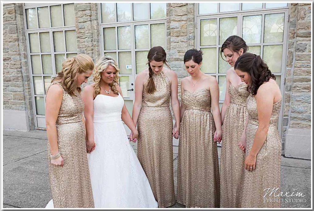 Ault Park Cincinnati bridesmaids praying