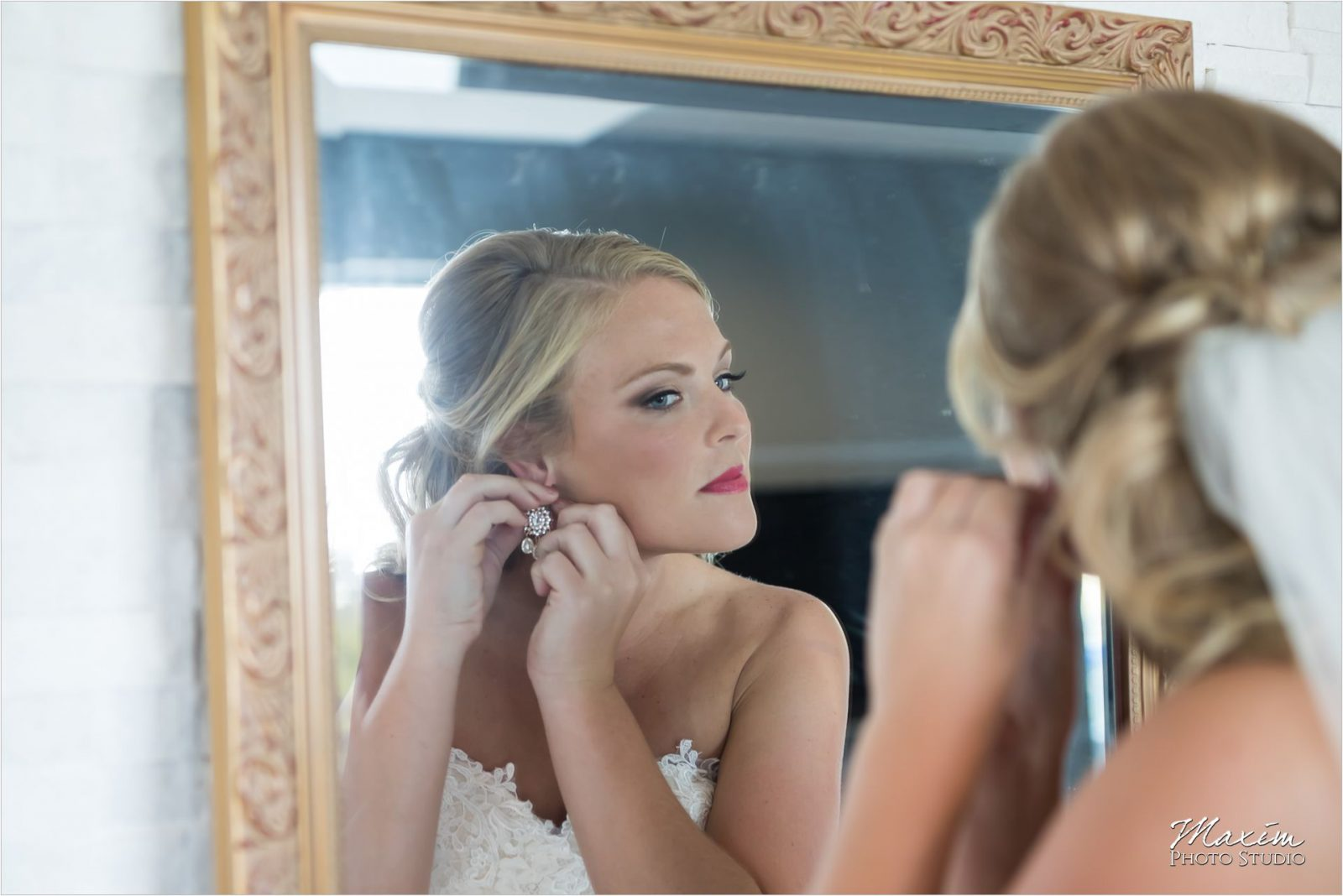Newport Syndicate Cincinnati Wedding Bride Preparations