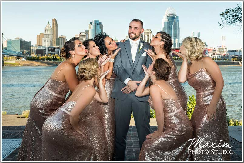 Cincinnati skyline wedding portraits