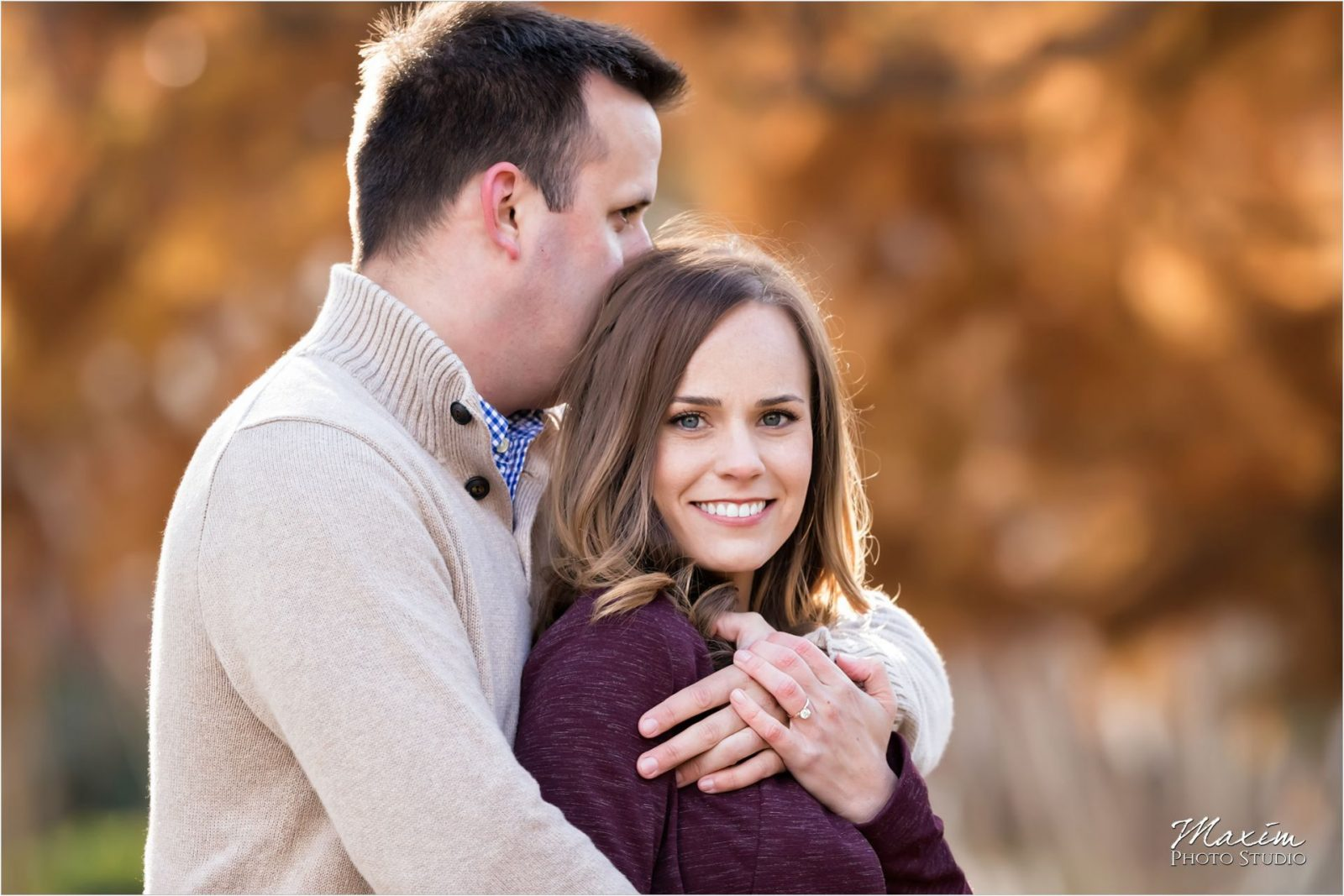 Eden Park Cincinnati Fall engagement couple
