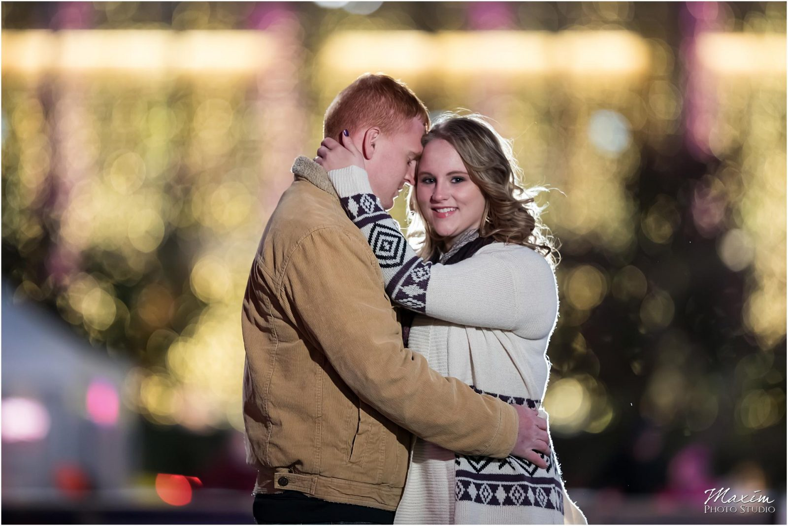 Fountain Square Cincinnati Engagement, Cincinnati night Engagement