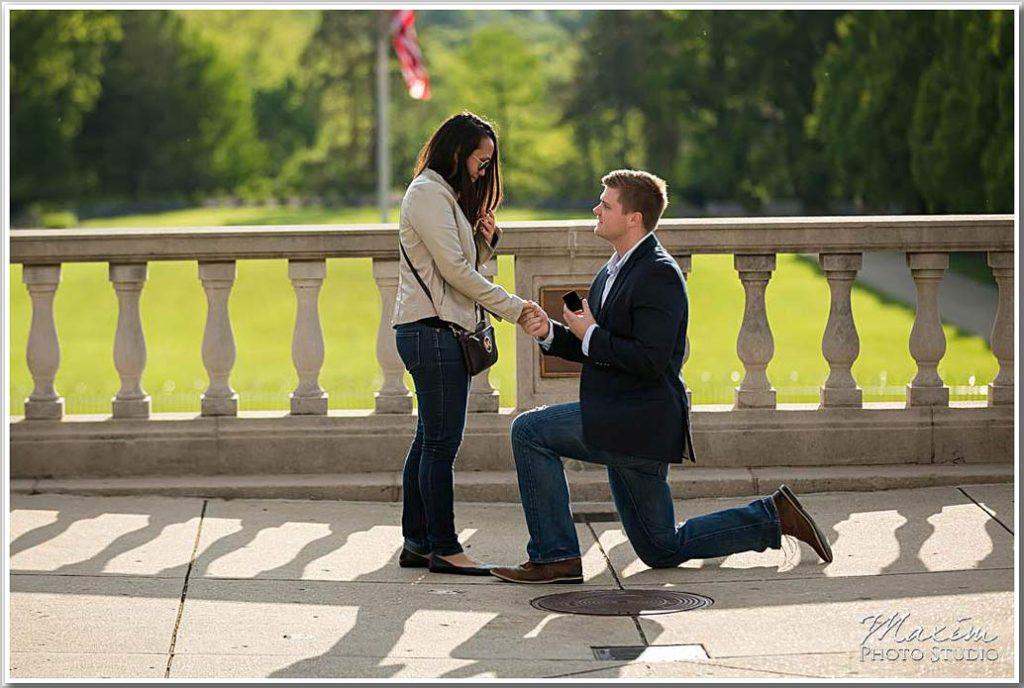 Ault Park wedding proposal photo tr 02