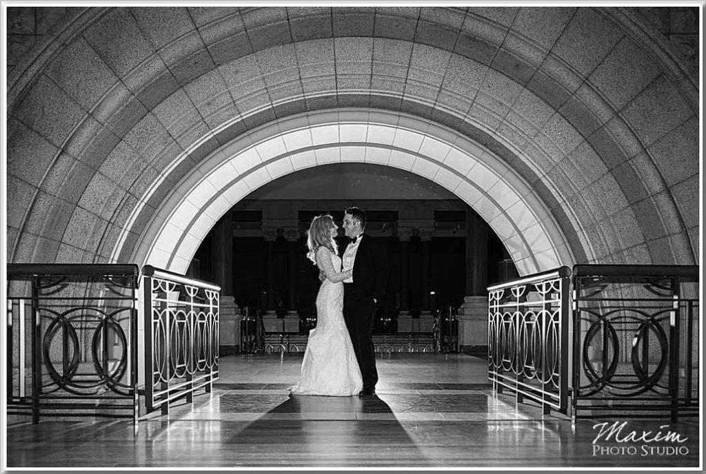 Cincinnati Art Museum bride groom portraits