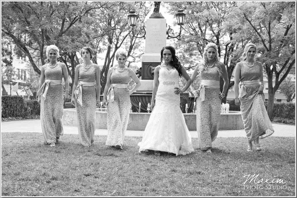 Hyde Park Cincinnati Bride bridesmaids