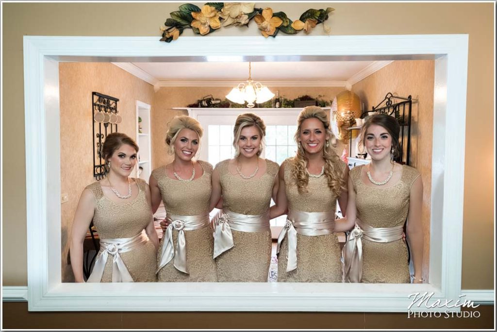 Bridesmaids Drees pavilion wedding preparation