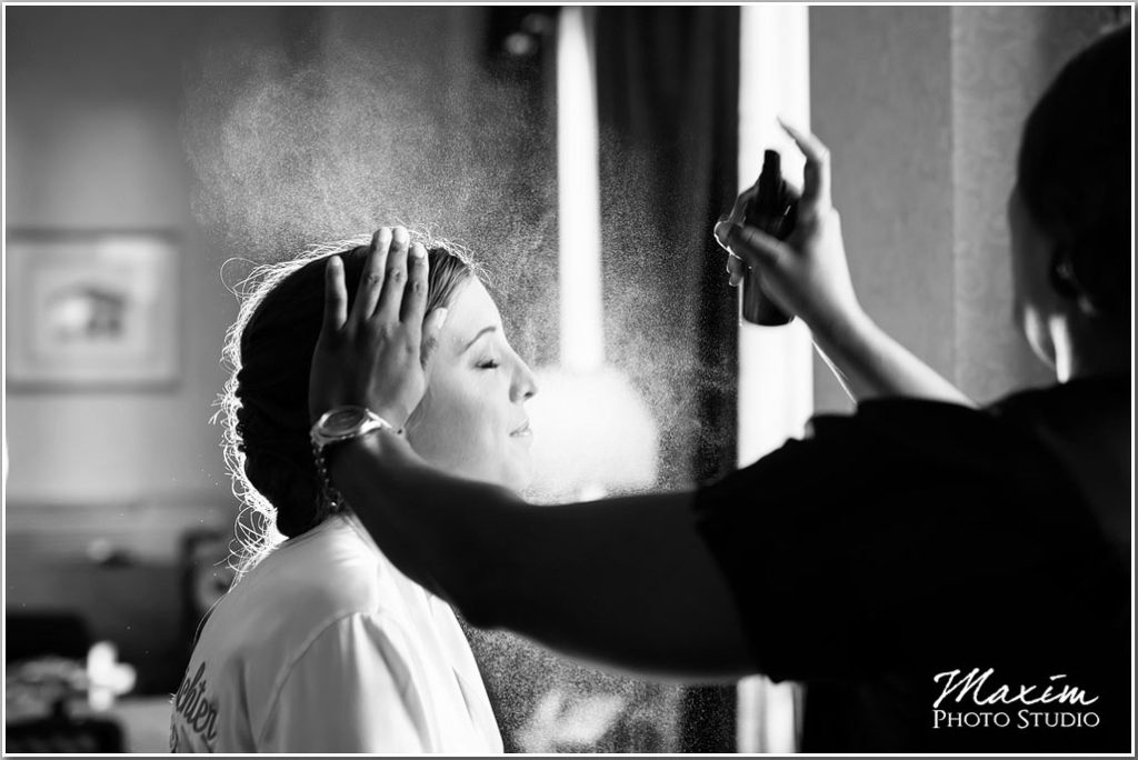 Hilton Netherland Plaza bride preparations