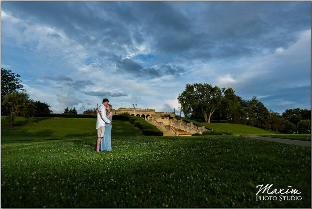 Cincinnati wedding photographers Ault Park engagement
