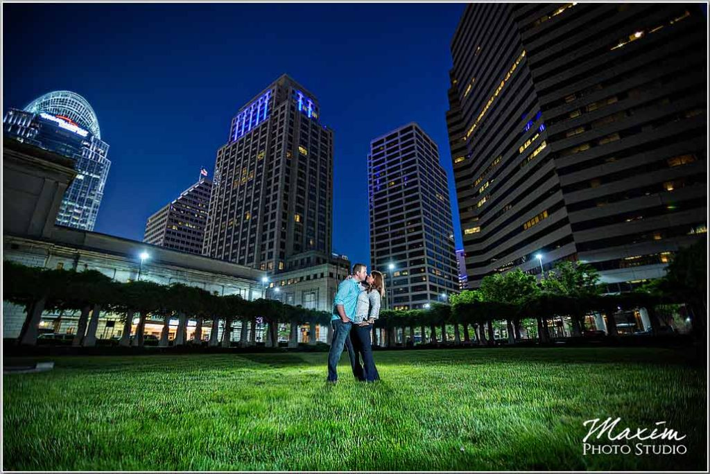 Cincinnati wedding photographers PG Gardens engagement