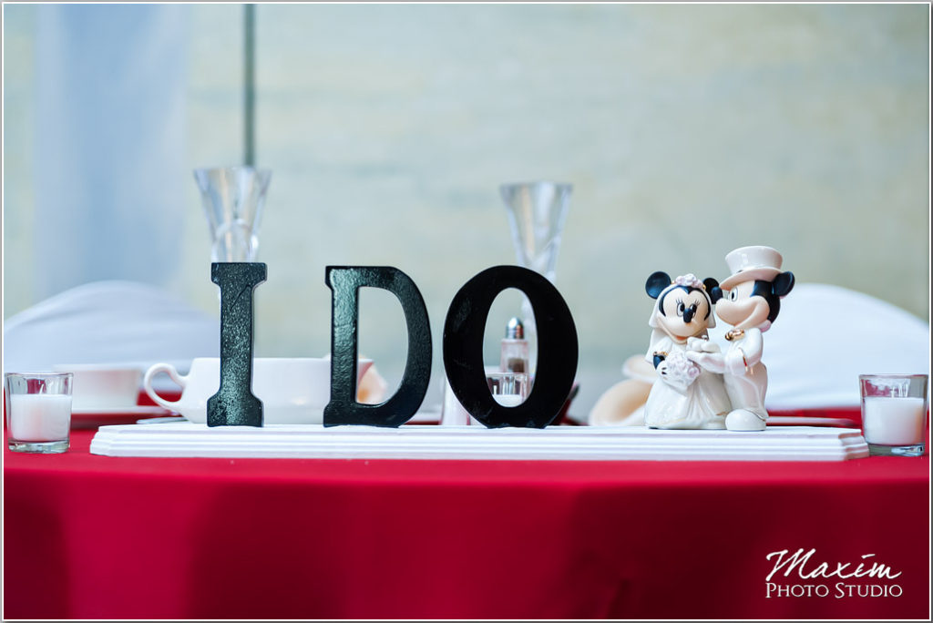 Cincinnati Wedding Manor House reception sweetheart table