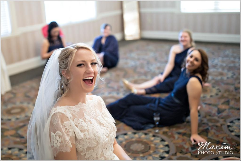 Manor House Ohio Wedding, bridal preparations