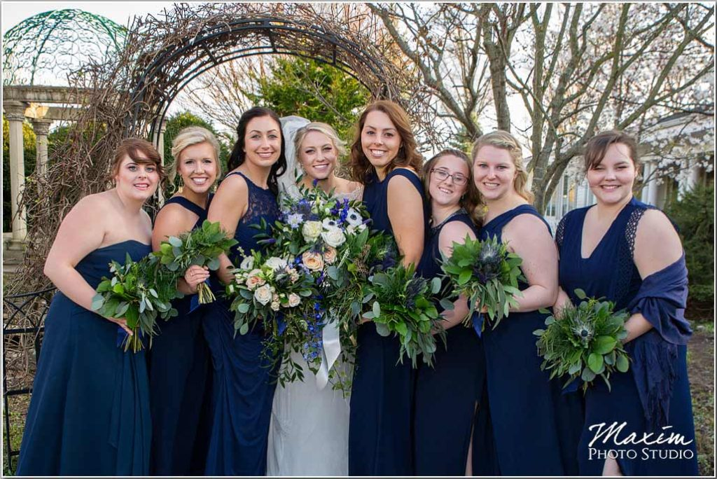 Manor House Ohio, Bridesmaids, Bride, flowers
