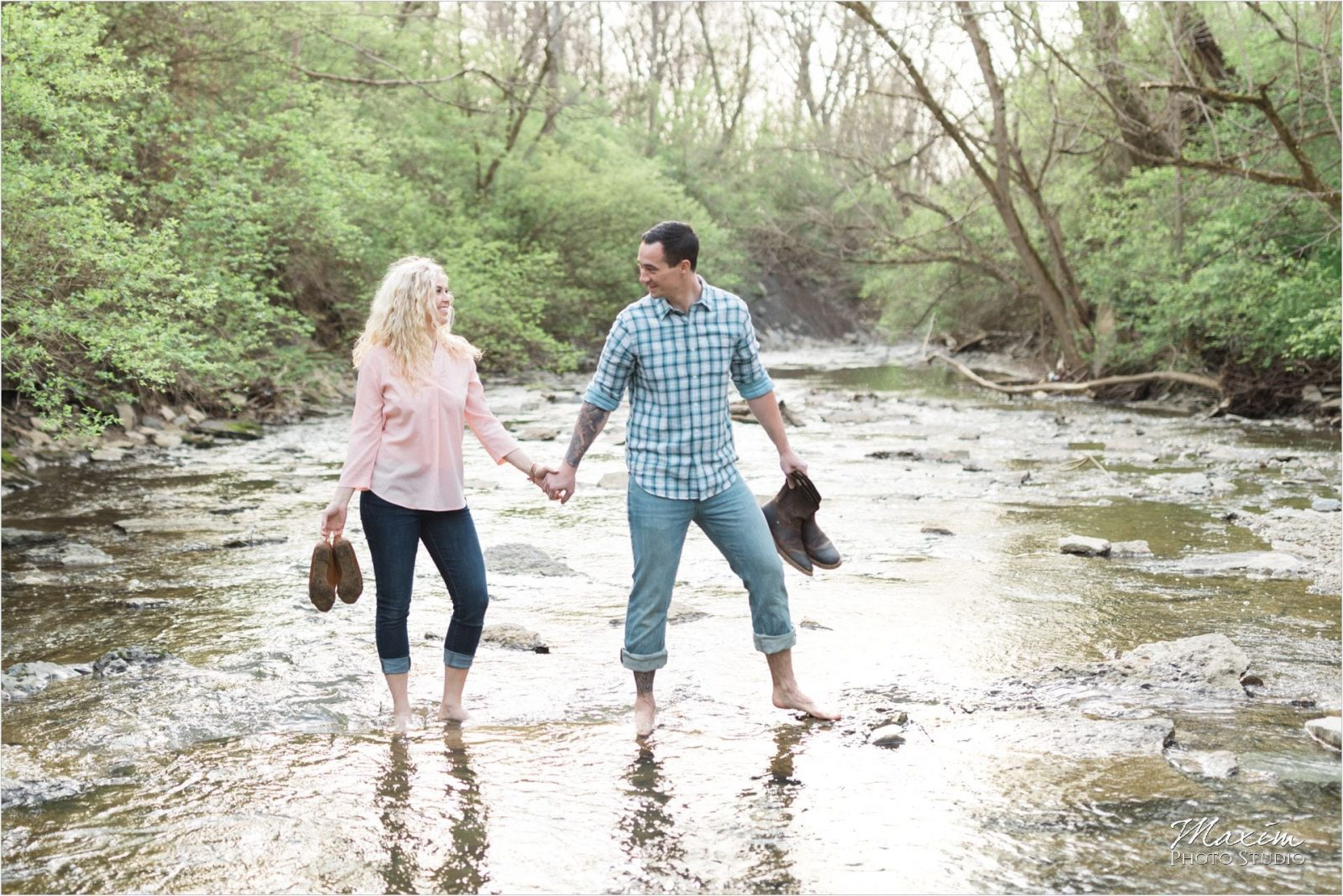 Lebanon Ohio Engagement couple water