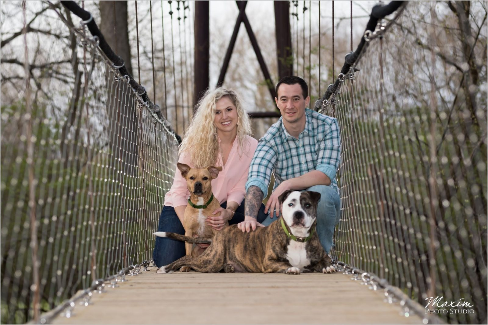 Lebanon Ohio Engagement couple on a bridge