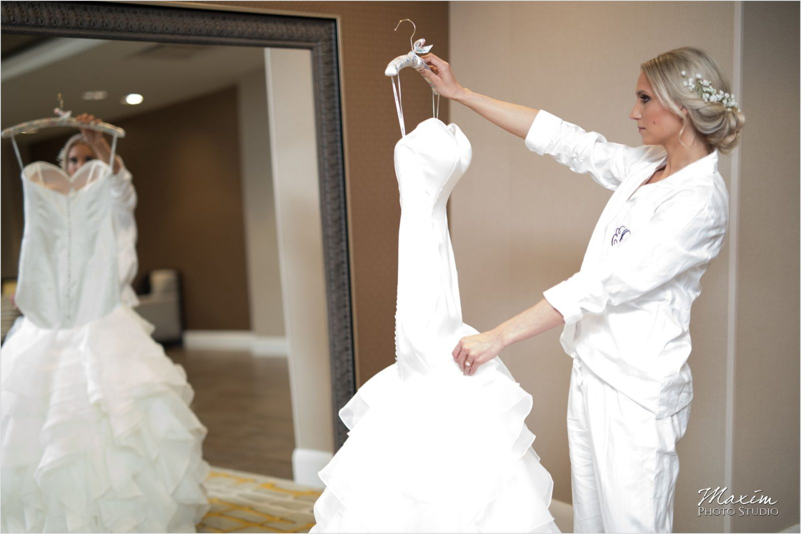 Phoenix Cincinnati Wedding dress bride