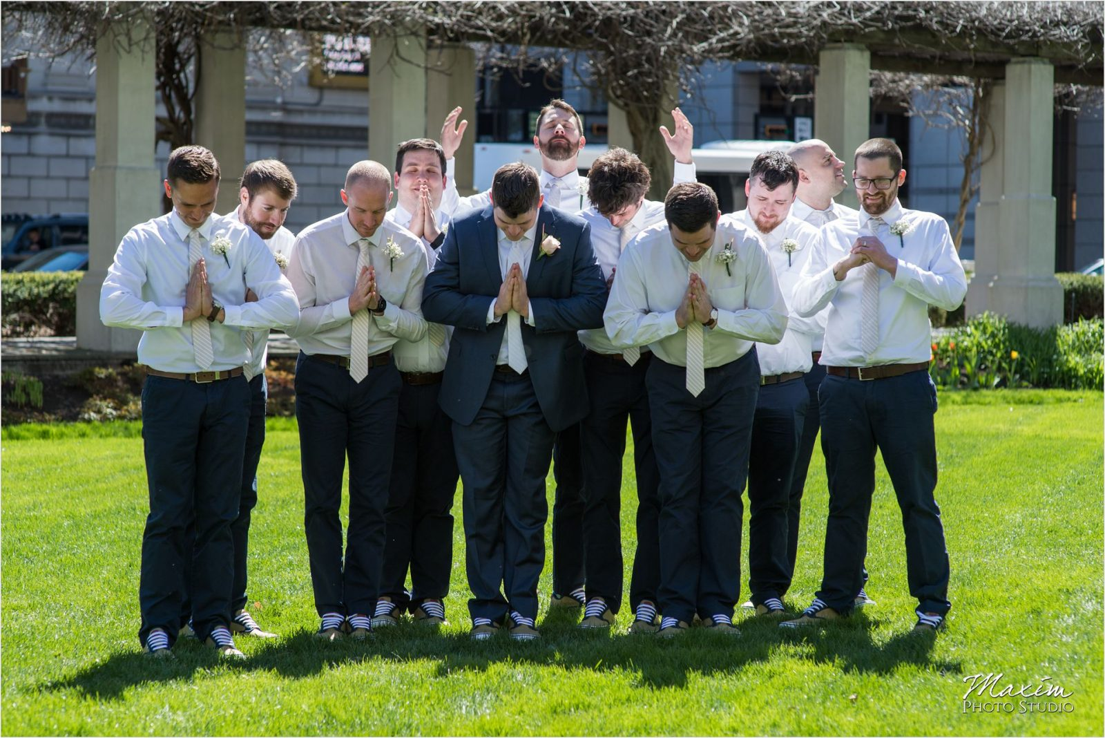 PG Gardens Cincinnati Phoenix bride groom pictures