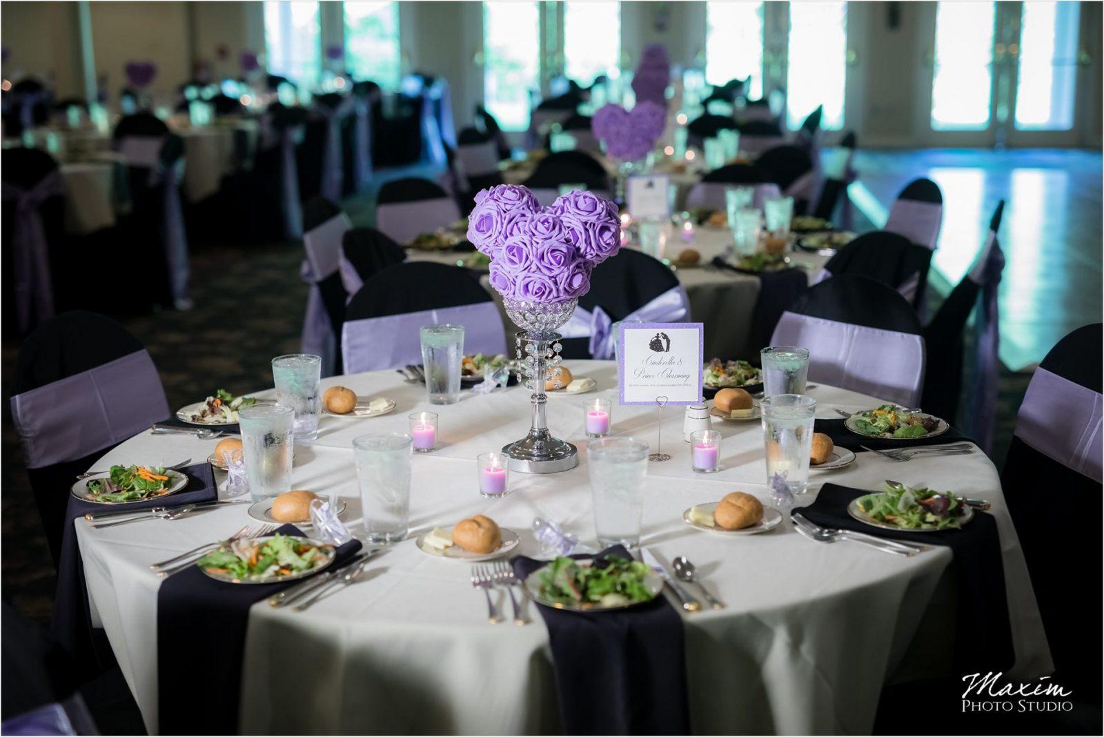 Norlyn Manor, Bride Groom, Sunset wedding, Cincinnati Wedding Photography, Reception table