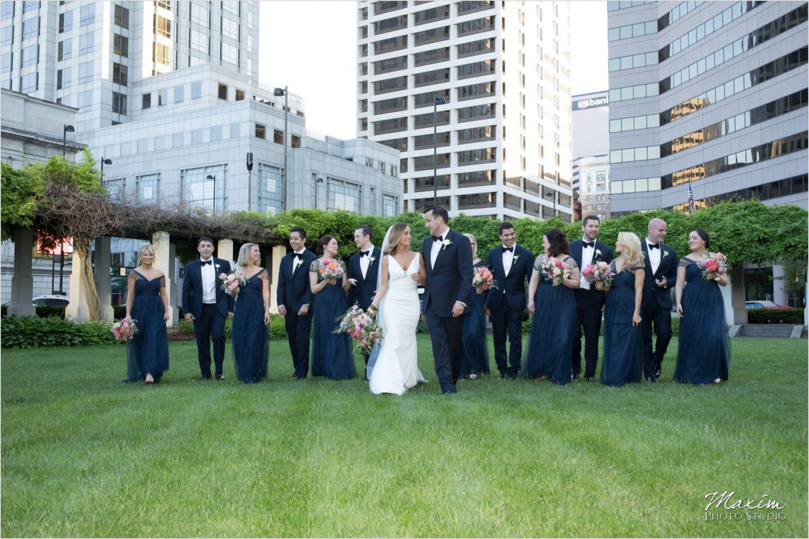 PG Gardens Cincinnati Wedding Bridal Party pictures