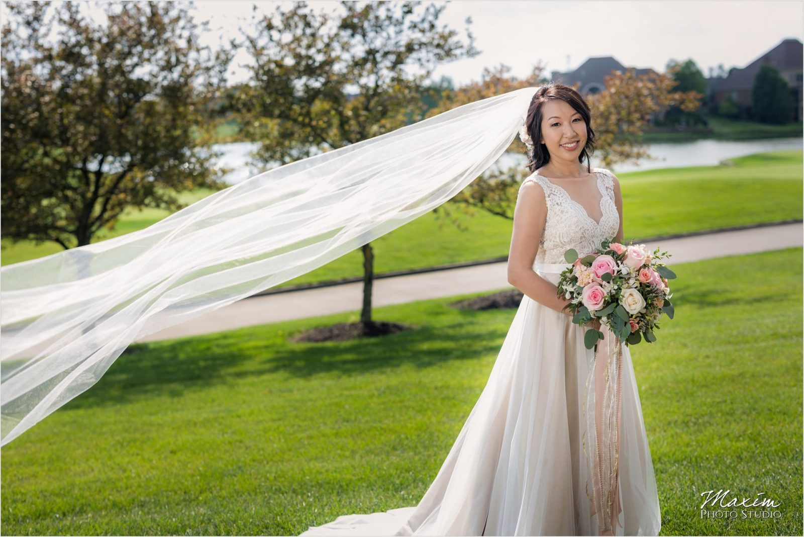 Four Bridges Country Club Wedding Bride