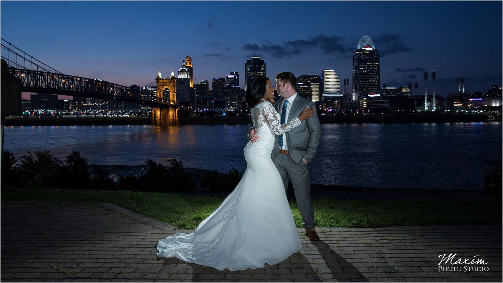 Cincinnati Skyline Wedding Manor House