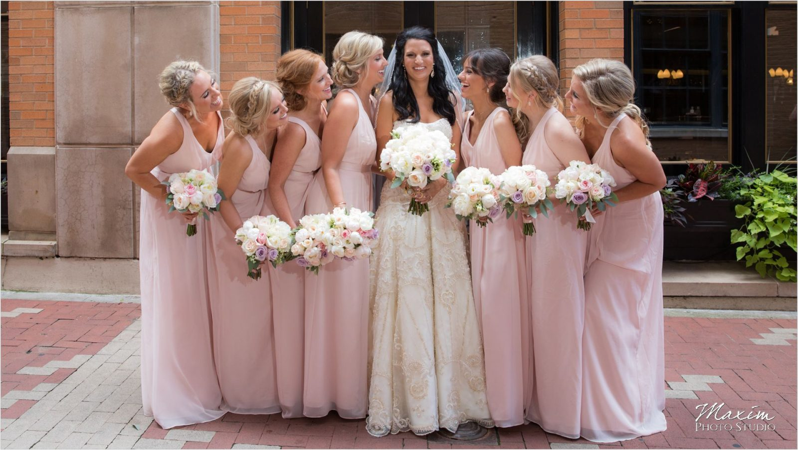 Nicholson alley Cincinnati bridesmaids pictures
