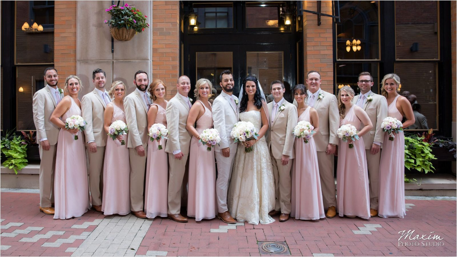 Nicholson alley Cincinnati Wedding bridal party pictures
