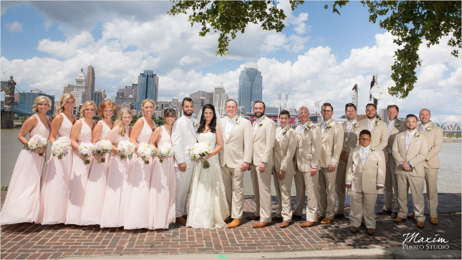 Cincinnati skyline wedding bride groom