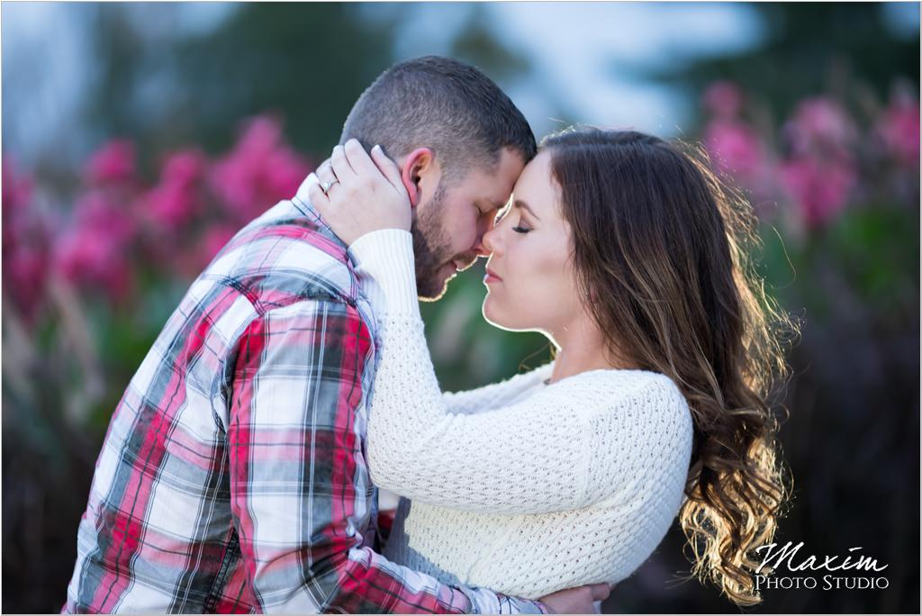 Ault Park Cincinnati flowers engagement