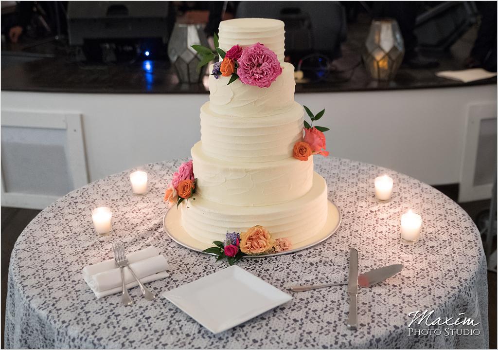 The Bonbonerie The Transept Cincinnati Wedding Cake
