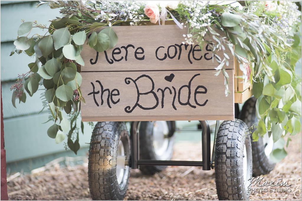 Ohio horse farm wedding Here comes the bride