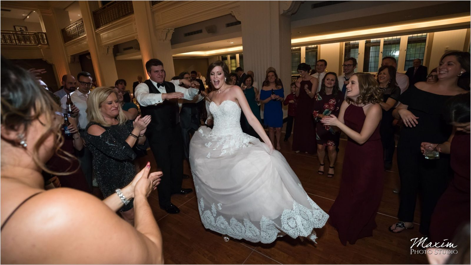 Renaissance Hotel Cincinnati Wedding reception Come on Eileen