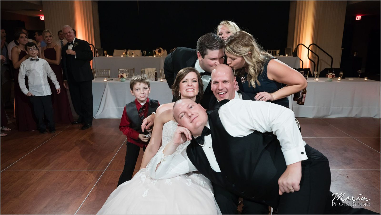 Renaissance Hotel Cincinnati Wedding reception photo bomb