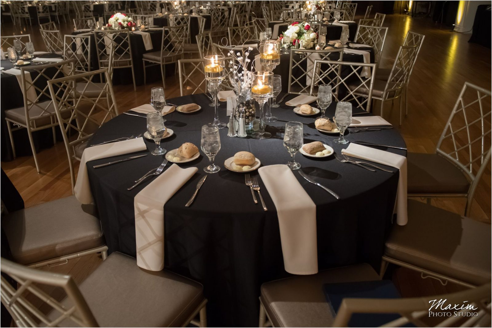 Cincinnati Wedding Photographers Music Hall Wedding Reception