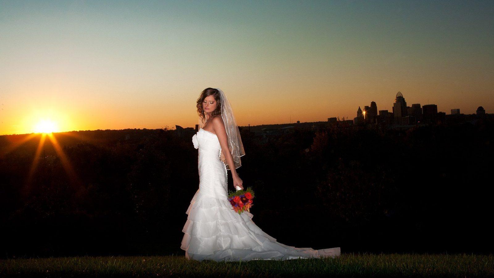 Cincinnati Skyline Wedding bride