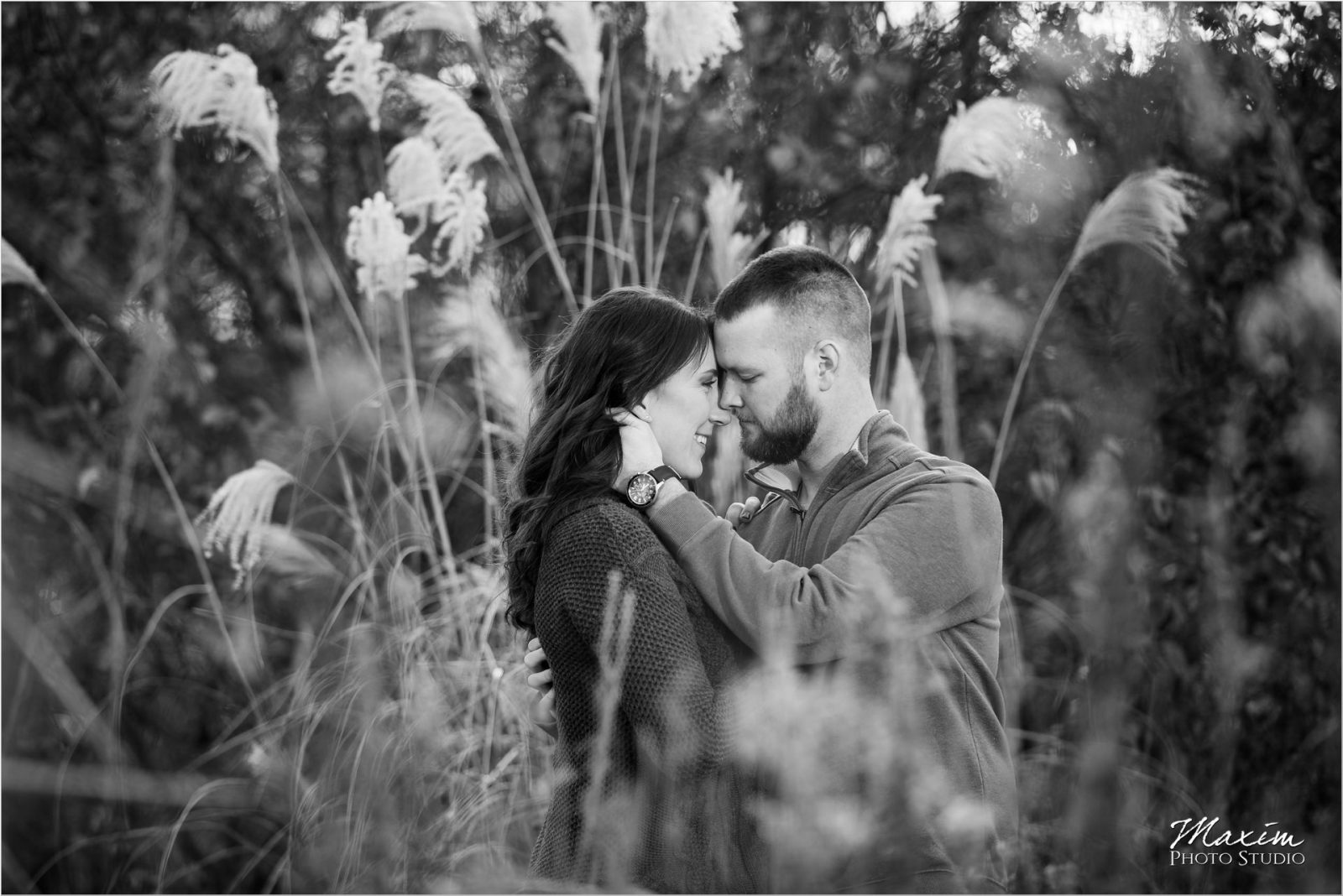 Ault Park Cincinnati Fall engagement tall grass