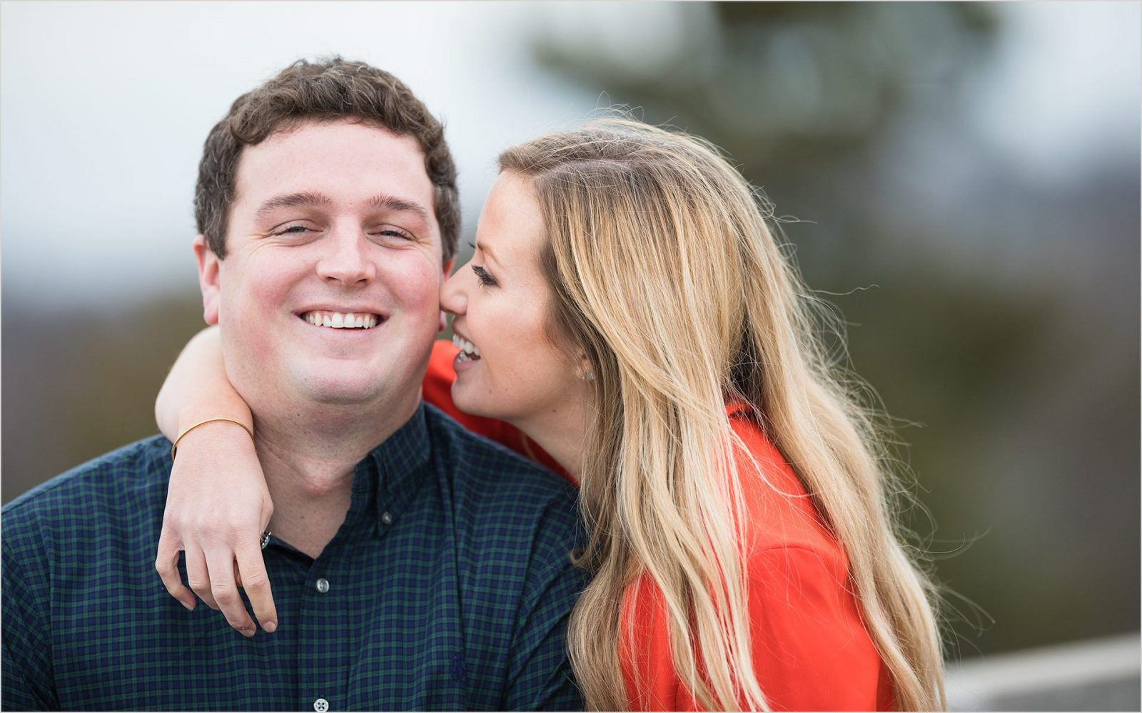 Cincinnati Wedding Photographers Ault Park Engagement fun