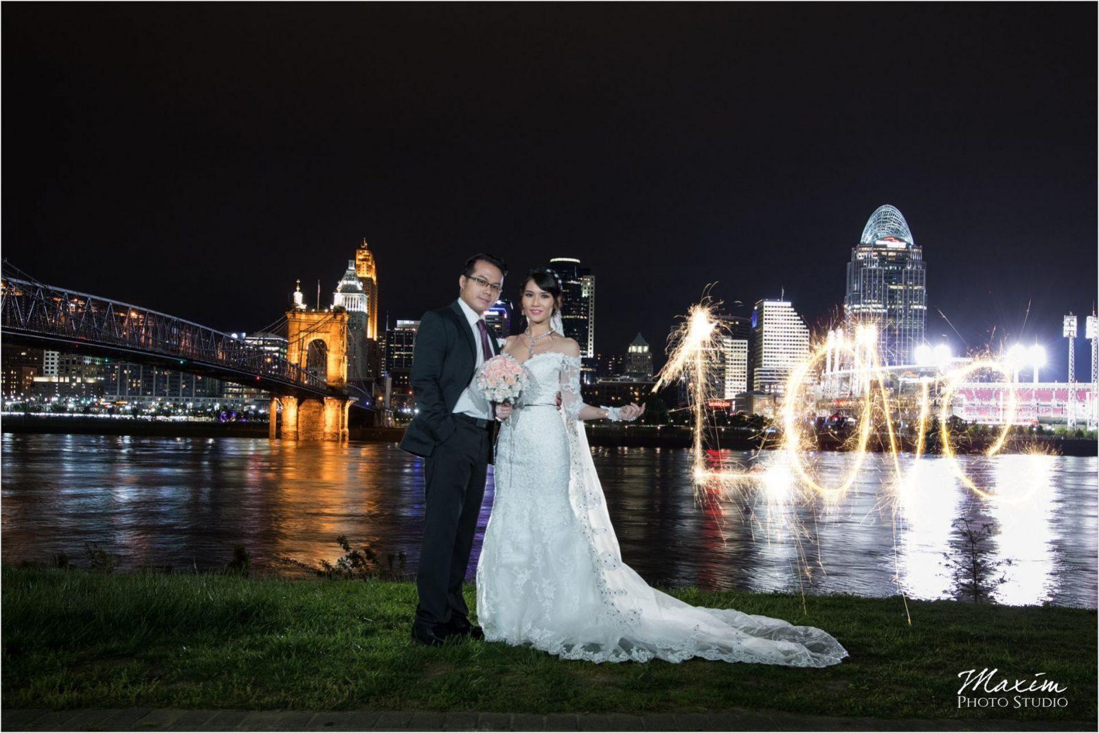 Ault Park Cincinnati Bride groom Cincinnati Skyline love sparklers