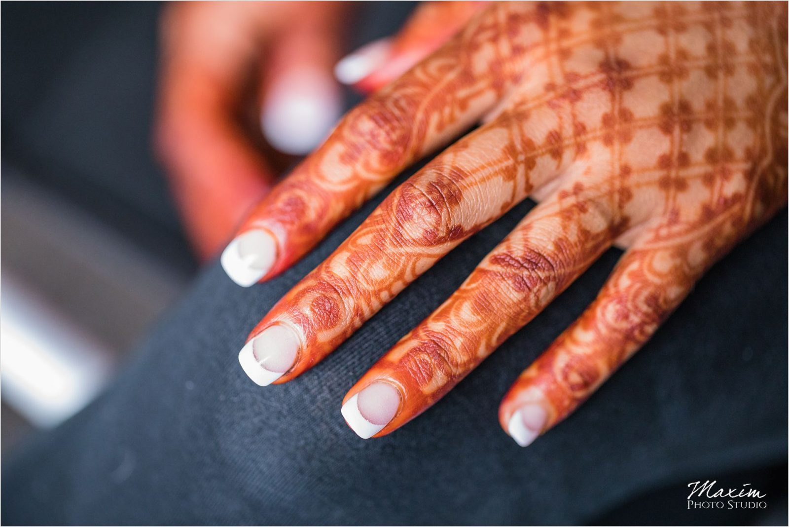 Cincinnati Wedding Indian Photography Henna Bride