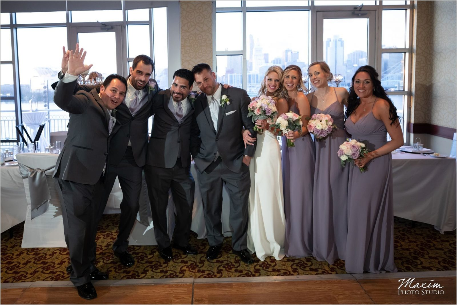 Cincinnati Marriott Rivercenter, Covington Wedding, Cincinnati skyline, Wedding Reception, Bridal Party