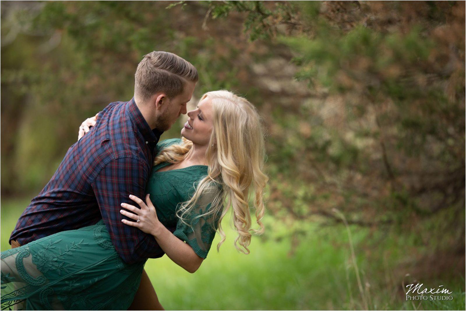 Cincinnati Wedding Photographers Kentucky Farm Engagement trees