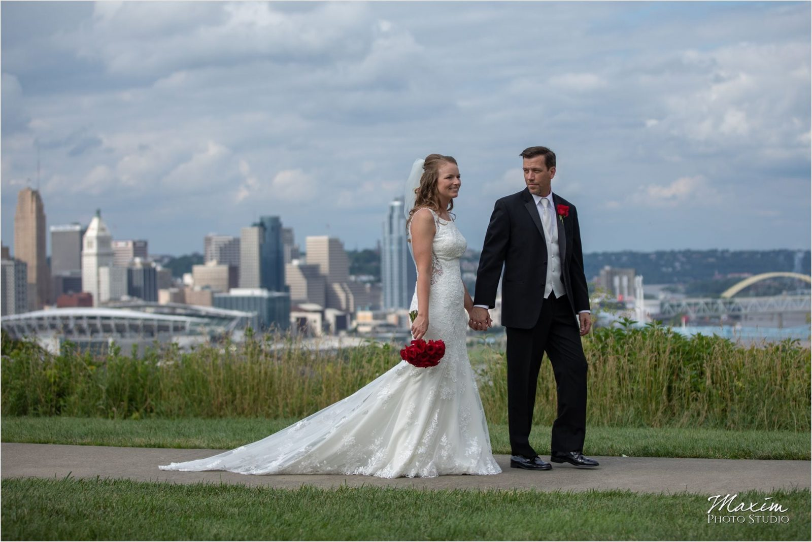 Devou Park Cincinnati downtown overlook bride groom