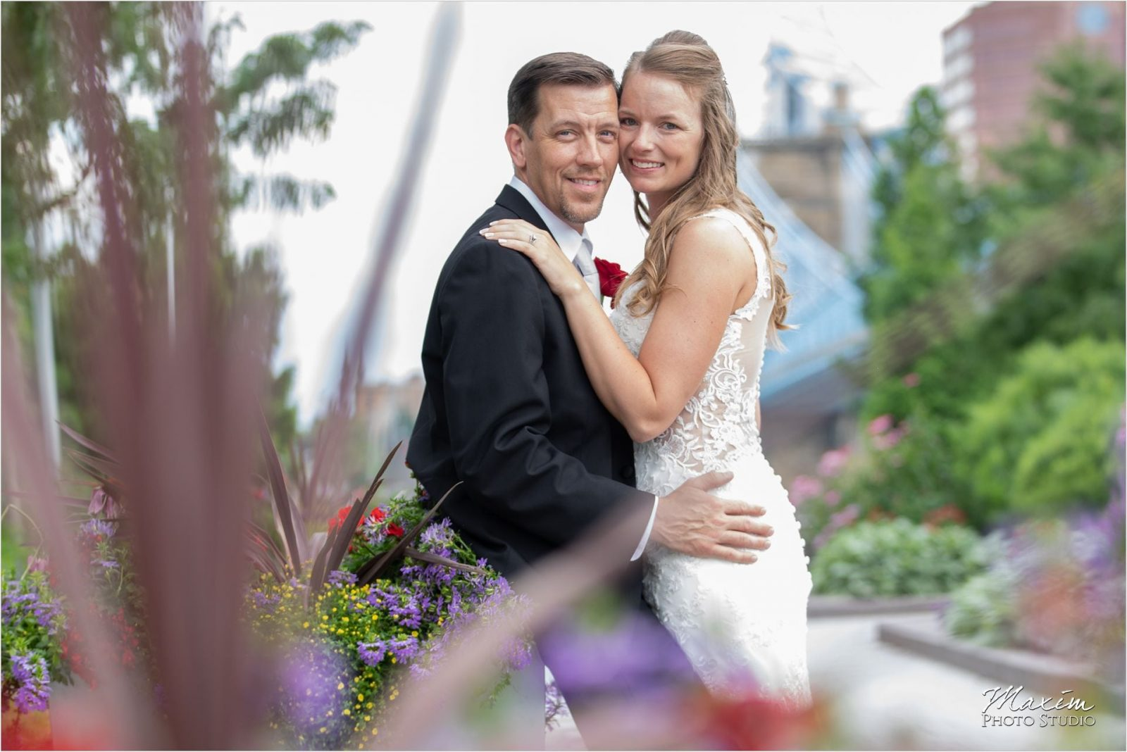Smale Riverfront Park Cincinnati Wedding