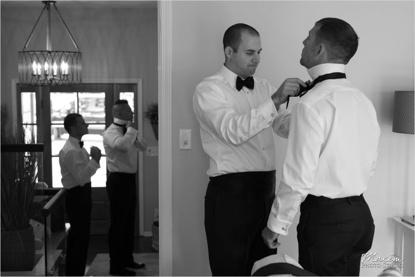 Louisville Kentucky Wedding Photographer groom preparations